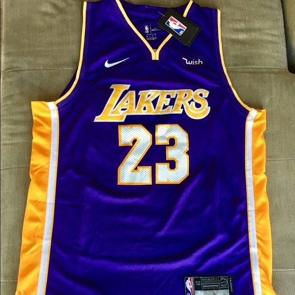 online retailer c2826 5e834 Purple Lebron James Lakers Jersey Men's XL NWT